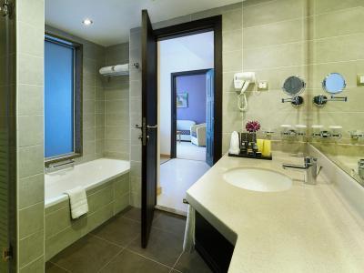 armada bluebay hotel dubai reviews