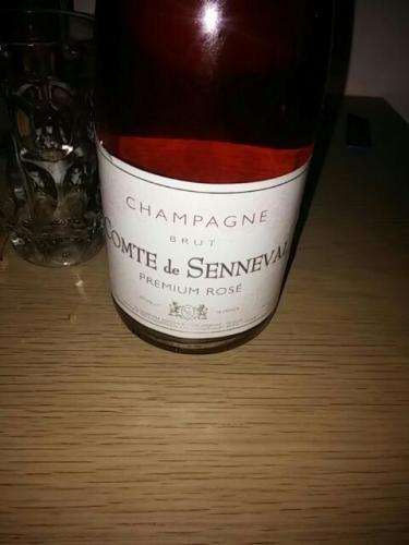comte de senneval champagne brut review