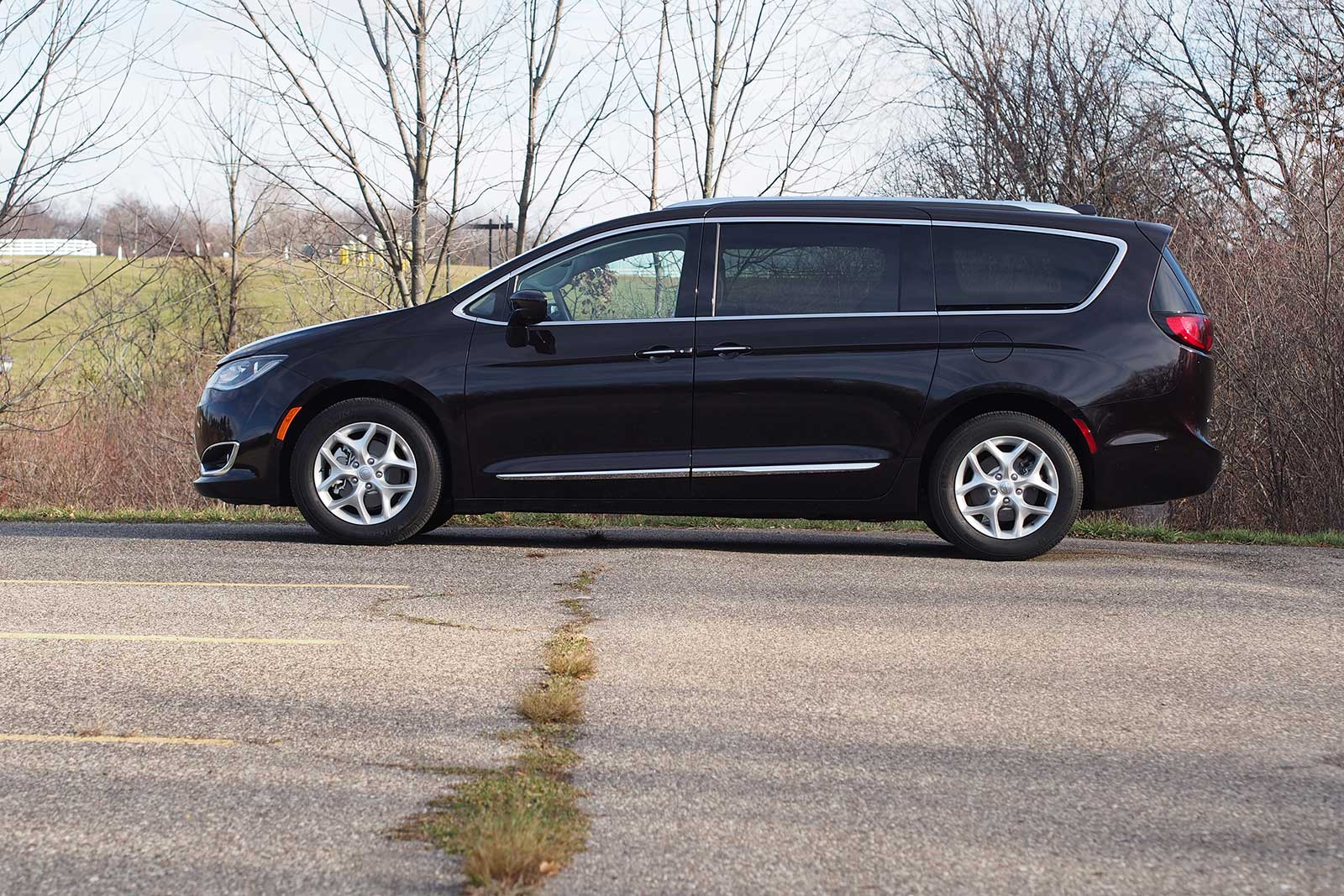 2017 chrysler pacifica touring l plus review