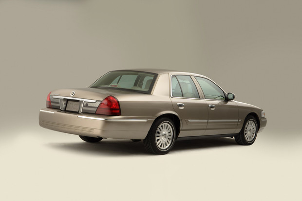 2011 mercury grand marquis review
