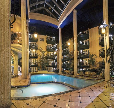 hotel le dauphin quebec city reviews